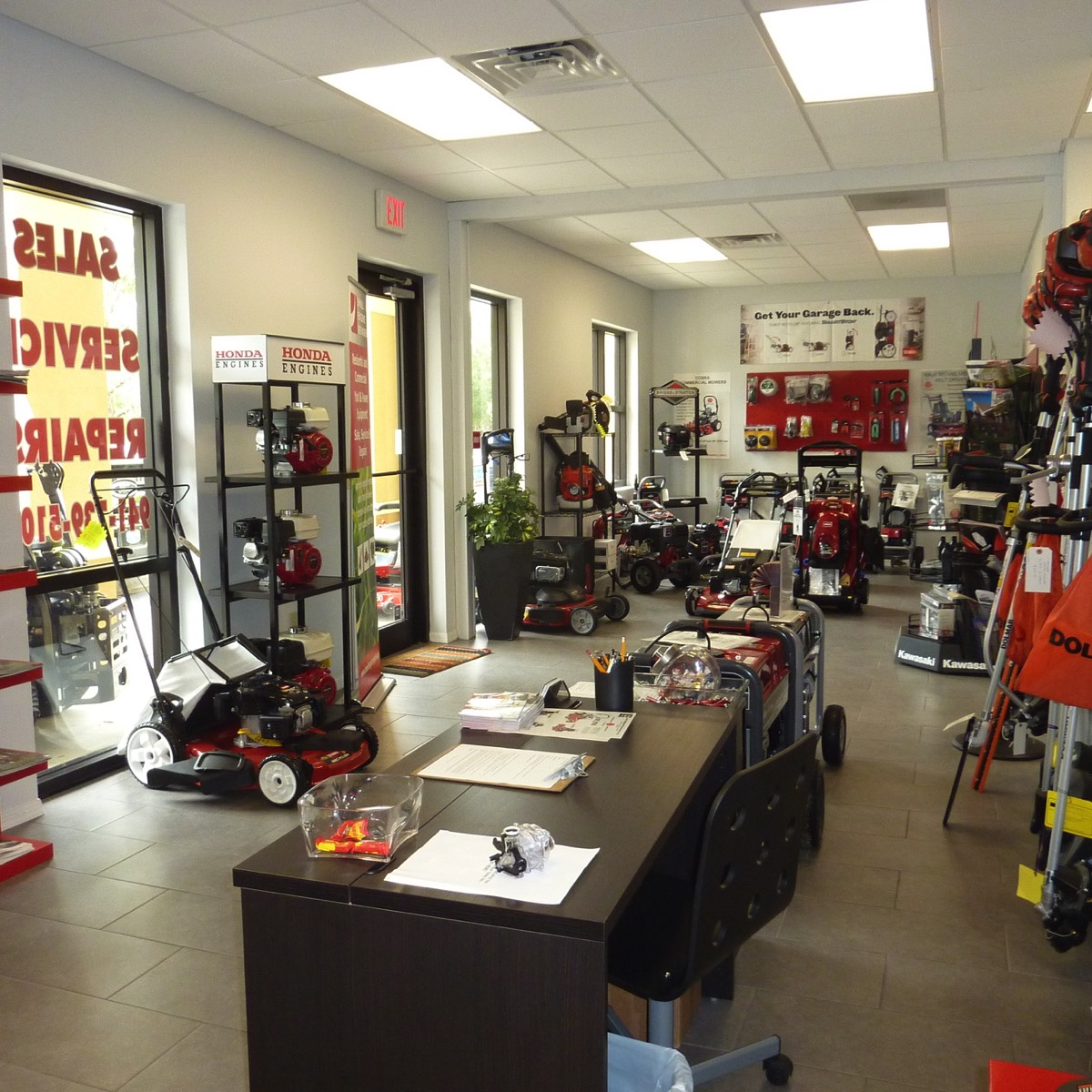 Small Engine Repairs Showroom lawn mowers engines